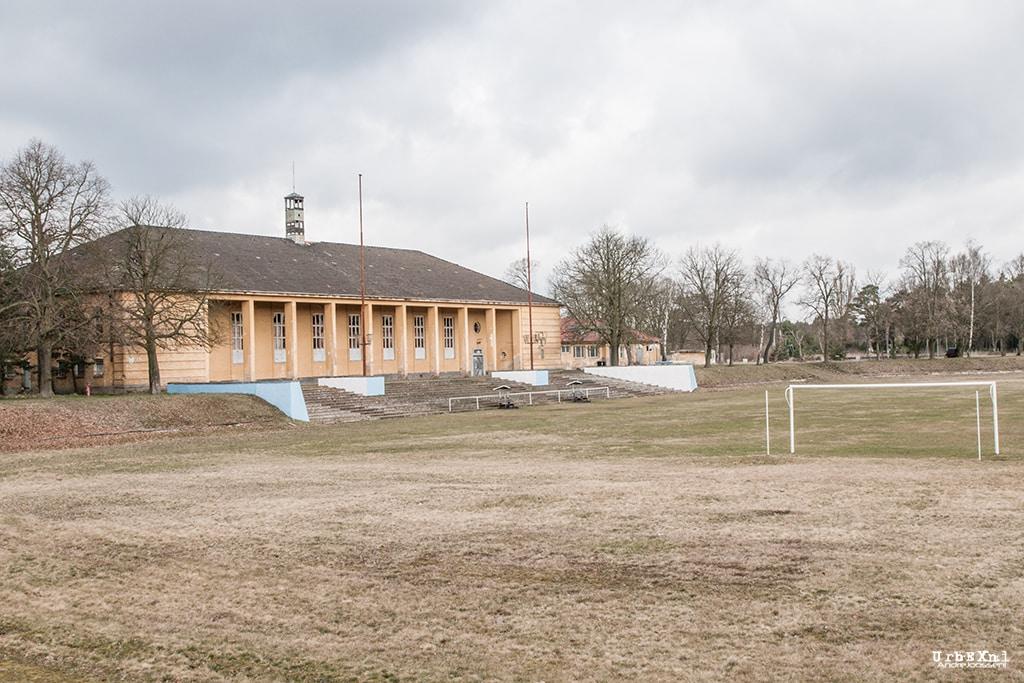 Sportstadion im Militärlager