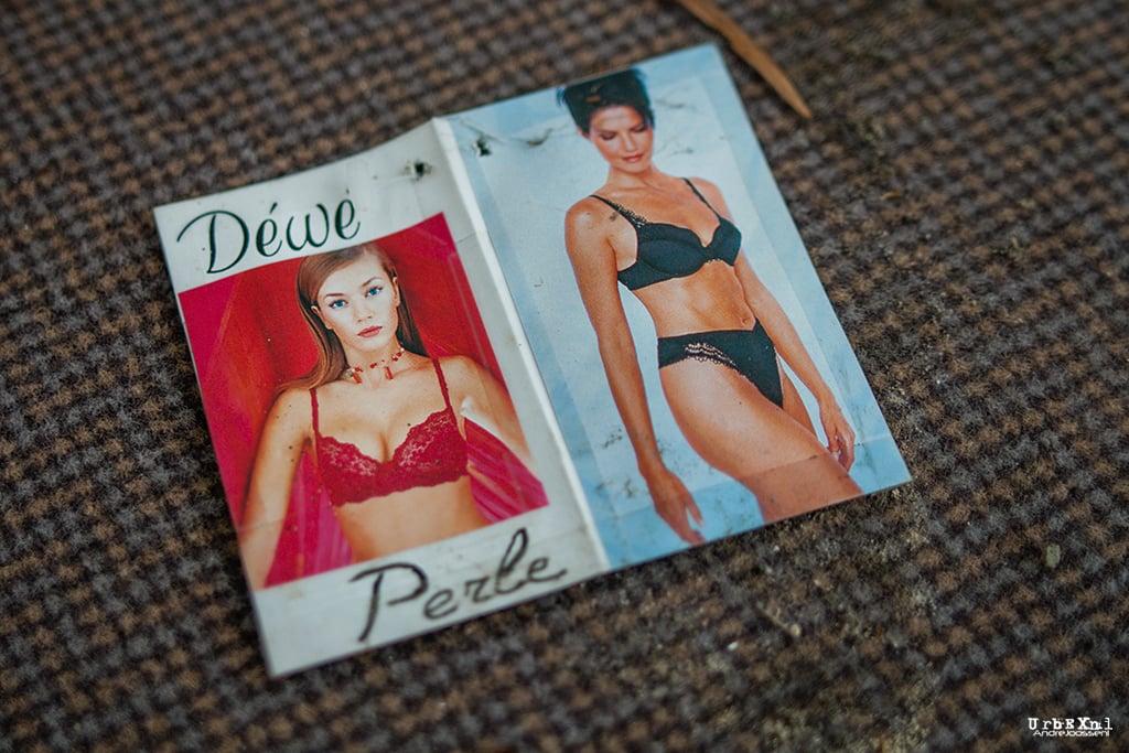 Korsetten- en lingeriefabriek DéWé